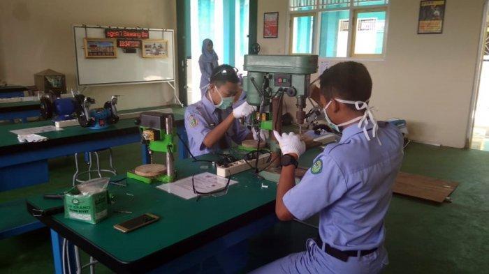 Siswa SMKN 1 Bawang Bikin Aquascape, Hermawan Dewanto: Jadi Pundi Pemasukan Mereka di Masa Pandemi