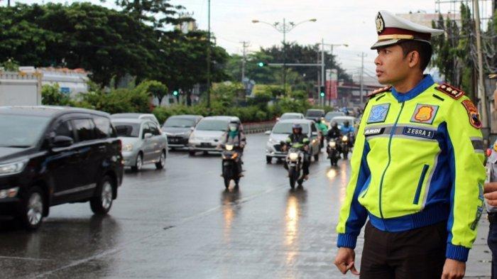 Tiap Hari di GT Kalikangkung Semarang, 30 Kendaraan Dipaksa Putar Balik Karena Tak Penuhi Kriteria