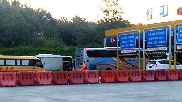 Jelang Larangan Mudik Lebaran, Kendaraan di Gerbang Tol Kalikangkung Meningkat. Terasa Sejak Jumat