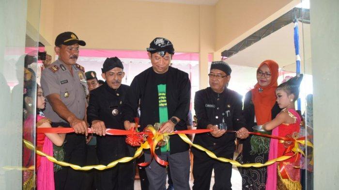 Desa Tanggeran Somagede Miliki Balai Desa Baru, Ini Pesan Bupati Banyumas Achmad Husein