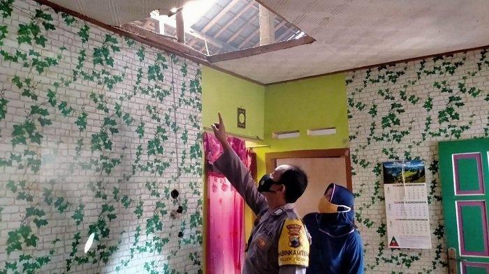 Balon Udara Bermuatan Petasan Jatuh dan Meledak di Karangsentul Purbalingga, Atap Rumah Warga Bolong