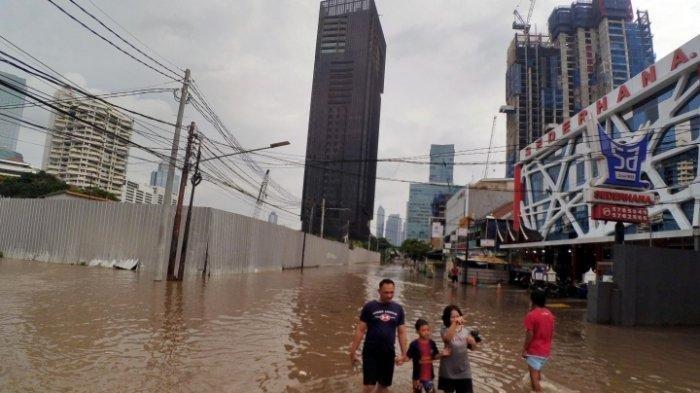 Warga Korban Banjir Jakarta: Pak Anies Kami Gak Butuh yang Pintar Bicara Tapi Pintar Nangani Banjir