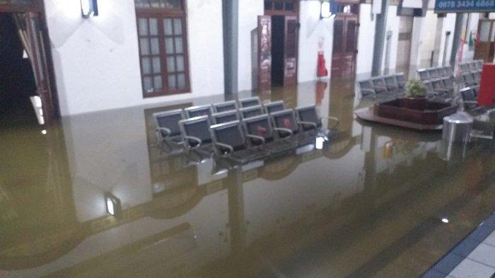 Stasiun Semarang Tawang Masih Kebanjiran, Berikut Daftar KA yang Pindah Rute dan Keberangkatan