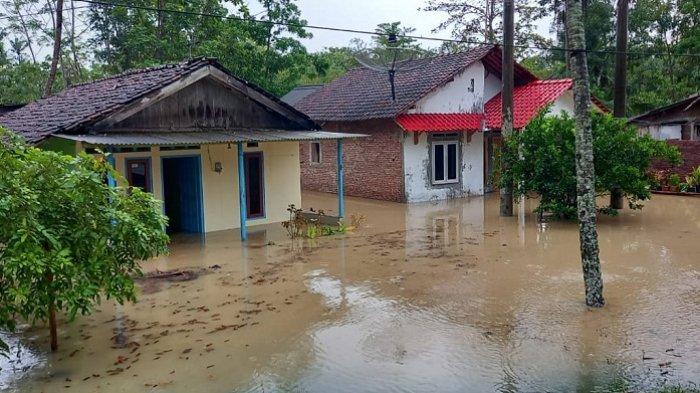 Banjir Rendam 320 Rumah di Cilacap, Akses Wangon-Cilacap dan Sidareja-Cilacap Putus