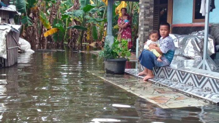 72 Rumah di Jati Wetan Kudus Kebanjiran Sejak Rabu Malam, Belum Ada Tanda-tanda Surut
