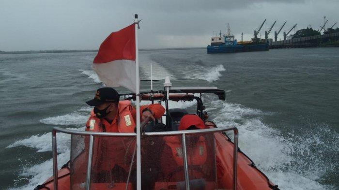 Terobang-ambing di Laut, 5 Pemancing Ditemukan Tim SAR Berkat Bakar Baju