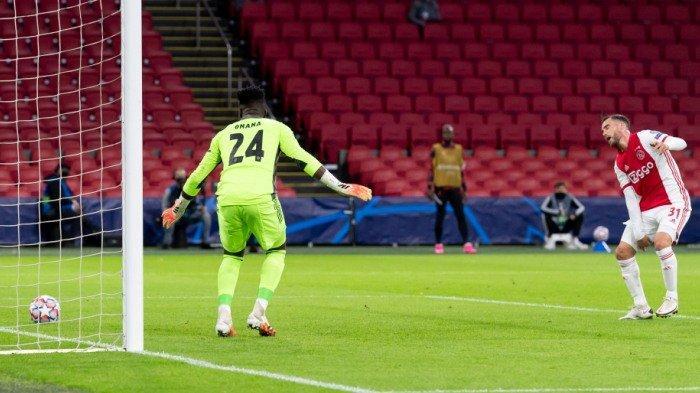Hasil Liga Champions: Gol Bunuh Diri Bek Ajax Antar Liverpool Perpanjang Rekor Tak Terkalahkan