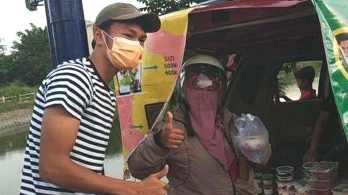 Bek Persebaya Surabaya Jualan Takjil, Lawan Kebosanan di Jeda Panjang Kompetisi Liga 1