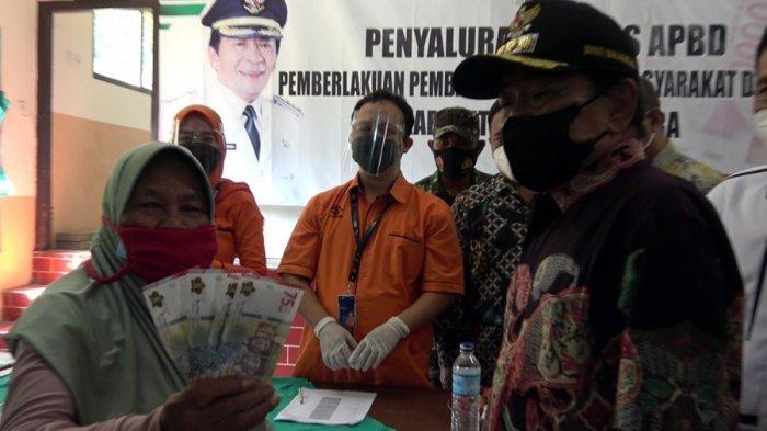 Di Banjarnegara, Keluarga Terdampak PPKM Darurat Dapat Rp 300 Ribu, Disalurkan Melalui Kantor Pos