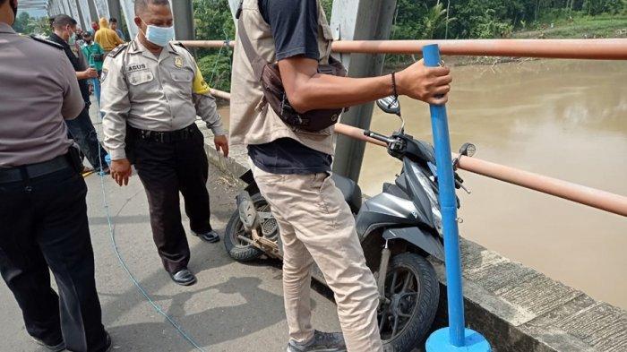 Sirwanto Berhenti di Jembatan Merah Patikraja Banyumas, Terjun ke Sungai Serayu, Diduga Bunuh Diri