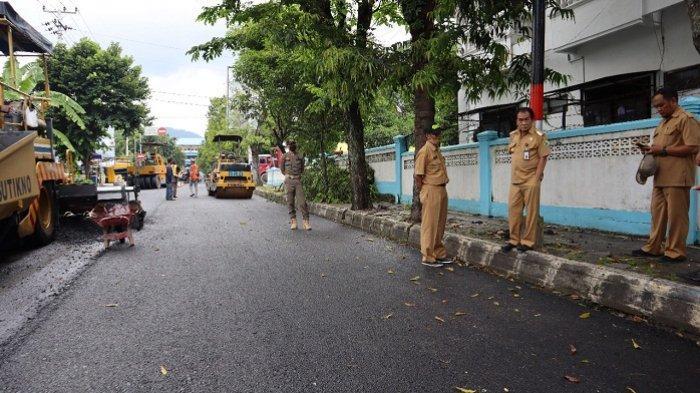 Jelang Lebaran, Jalan Kota di Banjarnegara Diaspal Mulus. Bupati: Kami Ingin Sambut Pemudik