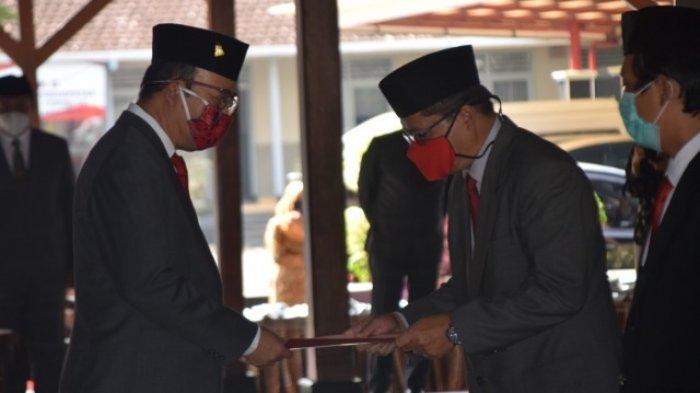 Bupati Banyumas Lantik 20 Pejabat, Kursi Camat Tambak dan Gumelar Akhirnya Terisi