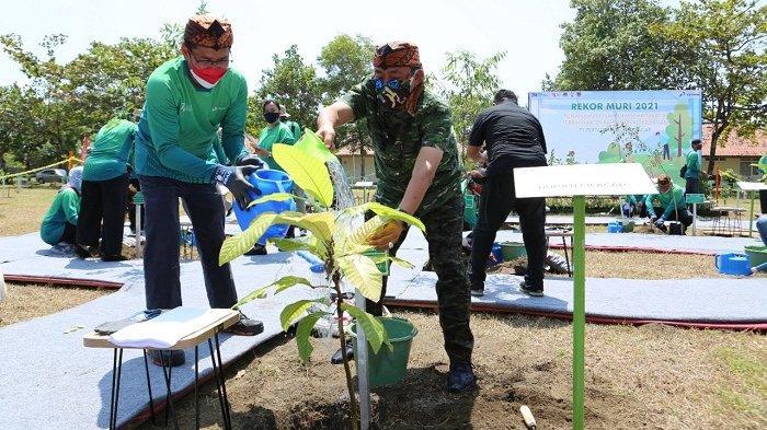 Pertamina RU IV CIlacap Pecahkan Rekor Muri, Tanam 76 Jenis Pohon Endemik dari Nusakambangan