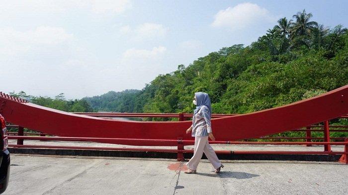 Viral di Medsos Baut-baut di Jembatan Merah Lepas, Bupati Purbalingga Cek Langsung. Ini Hasilnya
