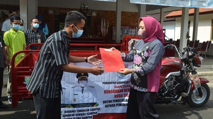 Dorong Bank Sampah Desa Berkembang, Pemkab Purbalingga Beri Bantuan Motor Pengangkut Sampah