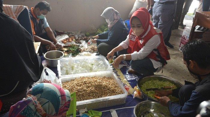 PMI Purbalingga Dirikan Dapur Umum, Siapkan Makanan untuk Warga Isolasi Mandiri di Tiga Kecamatan