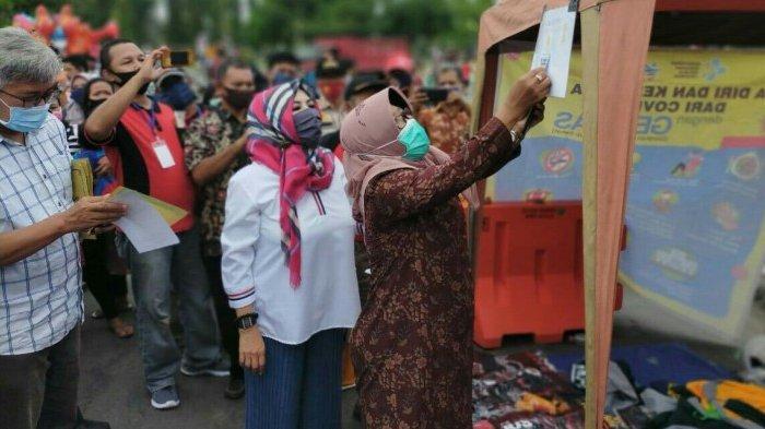 Hore, Jajan di PKL Alun-alun Hanggawana Slawi Tegal Kini Bisa Dibayar Pakai LinkAja