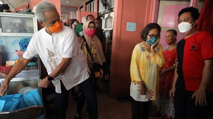 Ganjar Kunjungi Dua Rusun Buruh di Semarang, Bagikan Sembako Hingga Mendata Korban PHK
