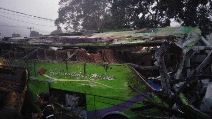 BREAKING NEWS: Bus dari Jakarta Terjun ke Sungai di Sigaluh Banjarnegara