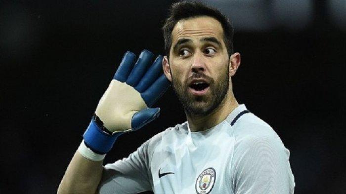Kiper Manchester City Berlabuh di Real Betis, Claudio Bravo Berstatus Bebas Transfer