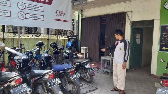 Ahmad Berharap Polisi Bisa Tangkap Pencuri Motornya, Terekam CCTV Kantor PKBM Mutiara Shahabat Tegal