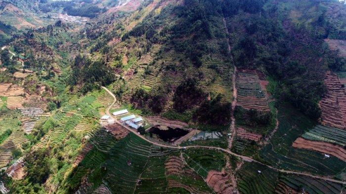 Lokasi danau dan pemandian air panas di Desa Pranten, Kecamatan Bawang, Kabupaten Batang, yang tak jauh dari Tol di Atas Awan, beberapa waktu lalu.