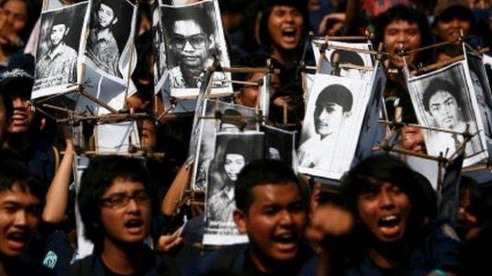 Hari Ini, 23 Tahun Lalu: 4 Mahasiswa Trisakti Tewas dalam Demo Menuntut Presiden Soeharto Mundur