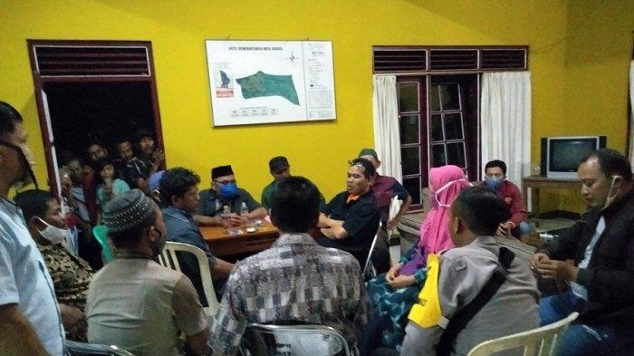 Kantor Desa Rabak Digeruduk Warga, Kades Tak Bisa Dihubungi, Dugaan Penyelewengan Tiga Sumber Dana