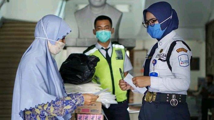 Donasi SDIT Bina Amal Semarang, APD Tenaga Kesehatan di Empat Rumah Sakit