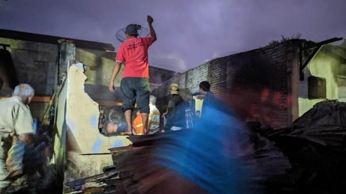 Dua Rumah di Kemutug Lor Banyumas Ludes Terbakar, Api Diduga Muncul dari Tungku