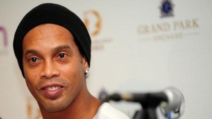 Ronaldinho Dituduh Gelar Pesta dengan Para Model saat Jalani Tahanan Rumah