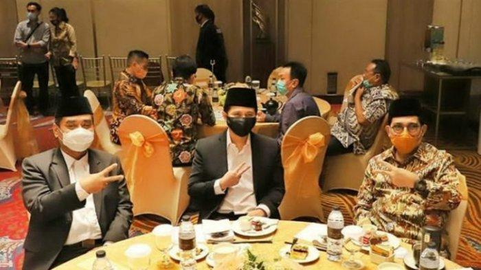 Wagub Jatim Emil Dardak Dilaporkan ke Bawaslu Surabaya, Beredar Foto Pose Dua Jari