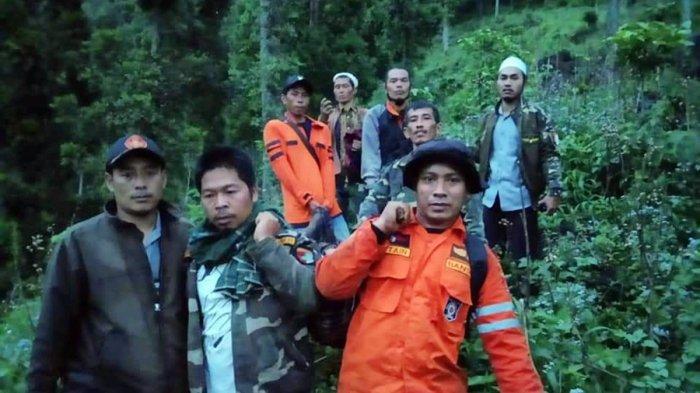 Butuh Delapan Jam Evakuasi, Tiga Pemuda Tersesat Saat Mendaki Gunung Prau, Mereka Warga Batang