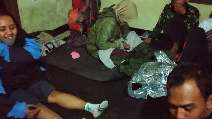 Ini Cerita Penyelamatan Tiga Pendaki yang Terjebak Hujan Es di Gunung Slamet