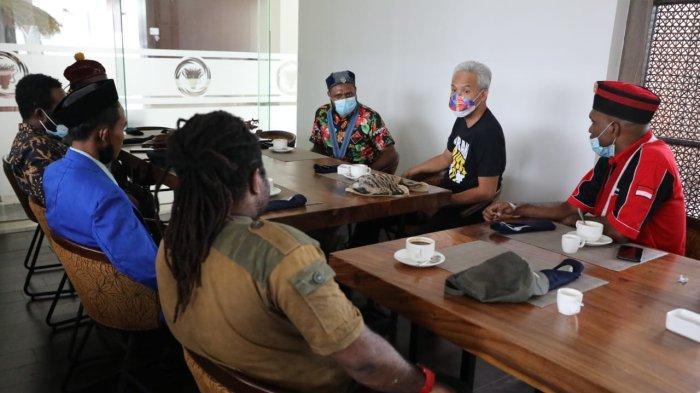 Lagi Sarapan, Ganjar Didatangi Puluhan Aktivis Mahasiswa Kelompok Cipayung Papua, Ini Tujuan Mereka