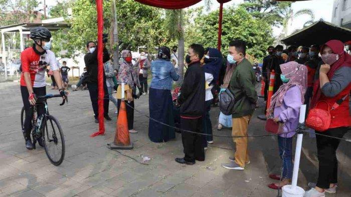 Ganjar Kembali Marah, Melihat Kerumunan Program Vaksinasi di Holy Stadium Marina Semarang