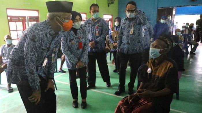 Ganjar Kunjungi Grobogan, Cek Langsung Vaksinasi di Dua Lokasi Ini, Begini Permintaan Khususnya