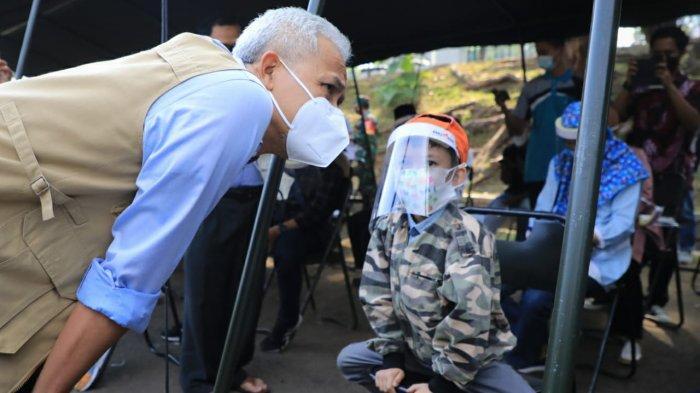 Hari Anak Nasional - Ganjar Datangi GOR Patriot Kodam IV Diponegoro, Tinjau Vaksinasi Anak