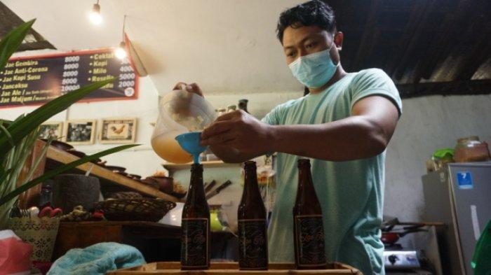 Lewat Kedai Bakoel Jamu di Batang, Ginanjar Ingin Bangkitkan Tren Minum Jamu Anak Muda