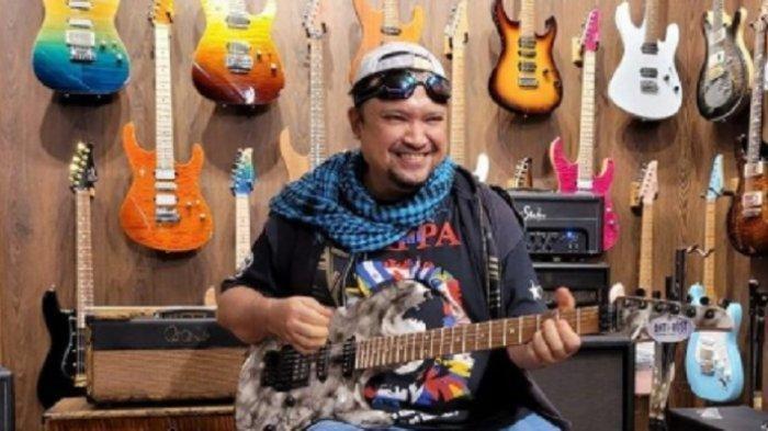 KABAR DUKA, Gitaris Aria Baron Tutup Usia. Sempat Dirawat Akibat Covid