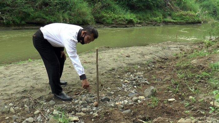 Warga Temukan Granat Nanas di Tepian Sungai Blorong Kaliwungu Kendal, Kondisinya Berkarat