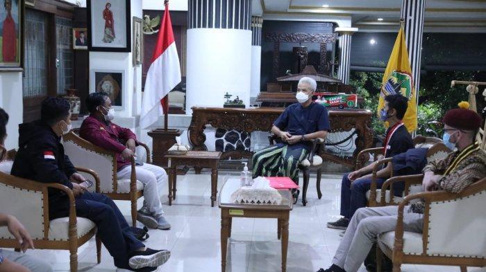 Ganjar Kedatangan Tamu Istimewa di Puri Gedeh Semarang, Bersama Aktivis Mahasiswa Bahas Ini