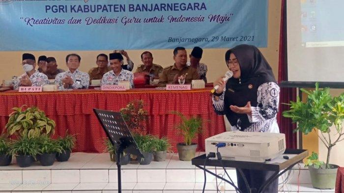 Ratih Pratiwi Juara 1 Nasional Lomba Nyanyi Solo, Guru SMPN 2 Banjarnegara