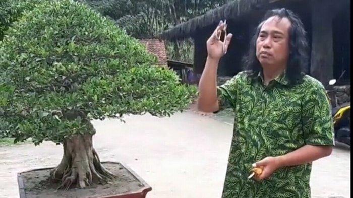 Kisah Heroik Gus Khayat, Taklukkan Penderita Gangguan Jiwa, Diajak Berobat ke RSI Banjarnegara