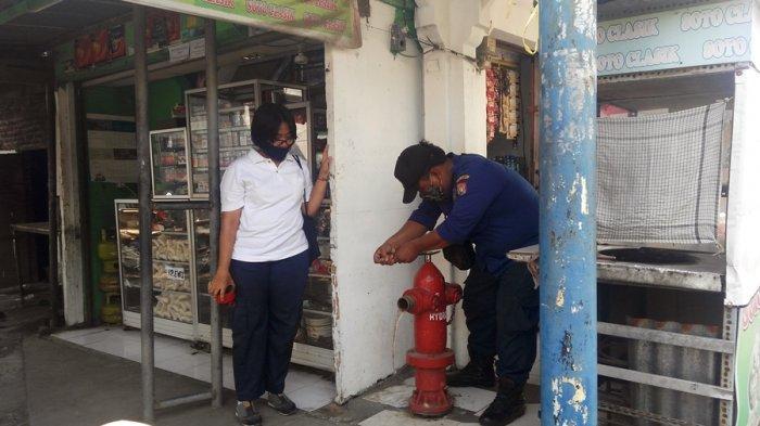 Tak Hanya Rusak, Banyak Hydrant yang Tertutup Lapak Pedagang, Hasil Pengecekan Satpolkar Kendal