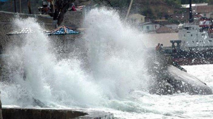 5 Berita Populer: Gelombang 4 Meter Berpotensi di Utara Pulau Jawa-3 Ton Salak Tumpah di Purbalingga