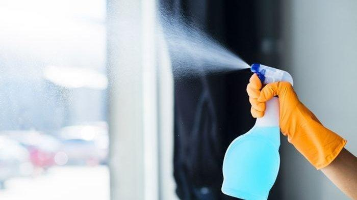Bikin Sendiri Cairan Disinfektan dari Pemutih Pakaian atau Pembersih Lantai. Yuk, Simak Caranya