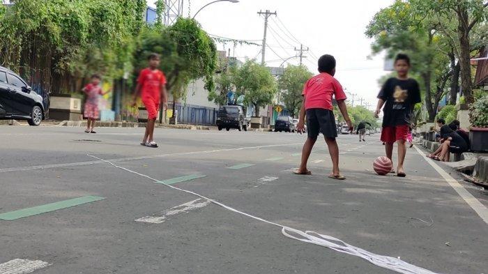 Sementara Waktu Jadi Wahana Bermain Anak, Biasanya Jalan Sudirman Purwokerto Dipadati Kendaraan