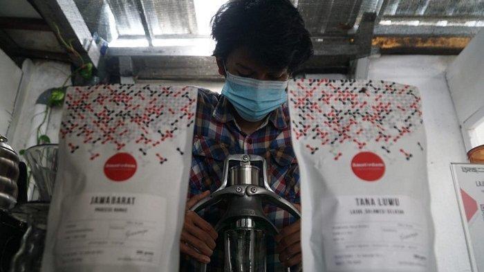 Sambat Pemilik Kedai Kopi di Purwokerto: Kena Razia Jam Malam sampai Boyong Kafe ke Rumah