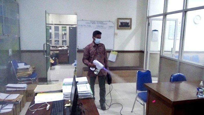 25 Dosen dan Pegawai UNS Solo Positif Covid, Kegiatan di Kampus Dibatasi Mulai 18-25 Juni
